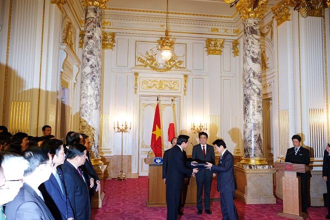 Việt Nam-Nhật Bản ký kết Bản ghi nhớ hợp tác về chế độ thực tập sinh kỹ năng